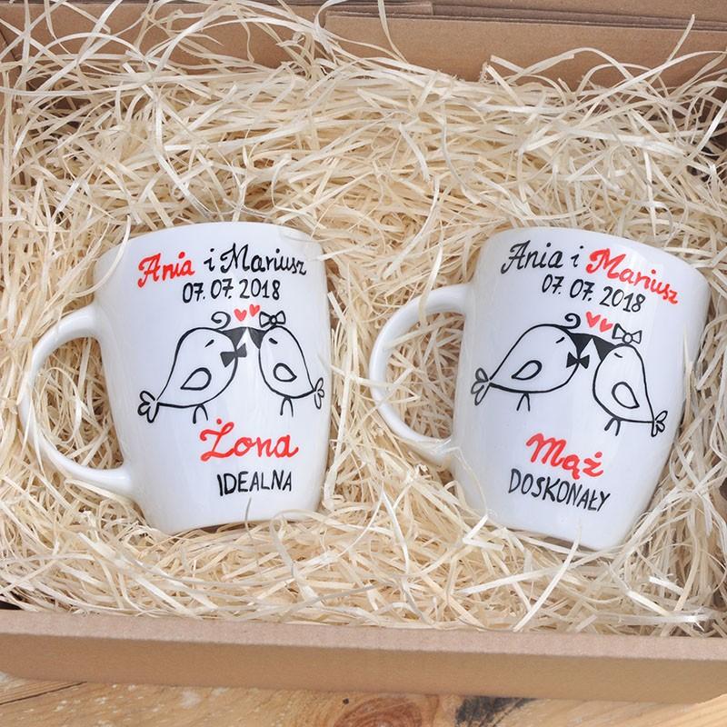Prezent na ślub, rocznicę. Kubki porcelanowe dla męża i żony milosnymi ptaszkami.