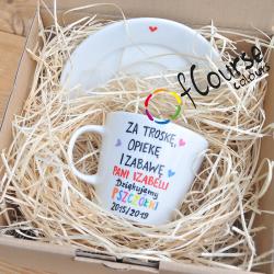 pudełko na filiżankędla nauczyciela przedszkola Pudełko z nautralną wioliną na filiżankę z talerzykiem..
