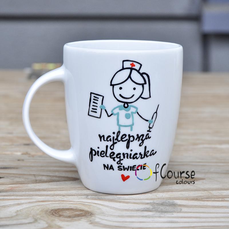 Prezent Kubek Pielęgniarka 12 maja Dzień Pielęgniarki Kubek prezent podziękowanie dla pielęgniarki w kolorowym fartuchem i napisem - Najlepsza pielęgniarka na świecie.
