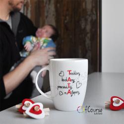 kubek taty krzyżówka, tata najlepszy, kochany pracowity prezent na święta na dzień ojca Kubek dla Taty z tekstem na temat ojcostwa. Tata krzyżówka. Ręcznie malowana porcelana.